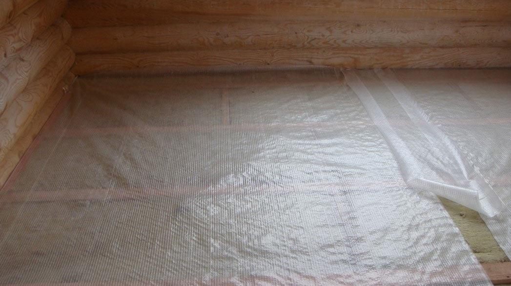 Пароизоляционная пленка под ламинат с перфорацией