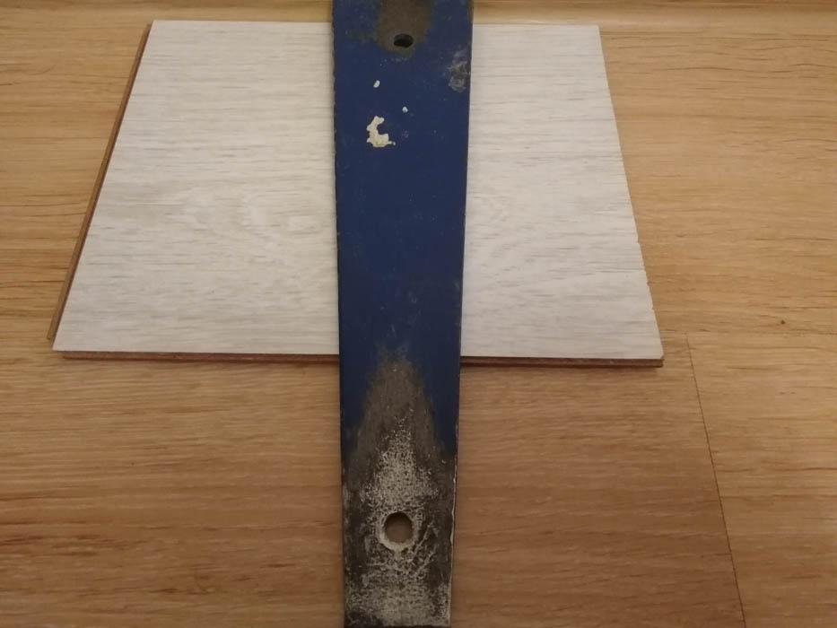 стальная скоба для ламината